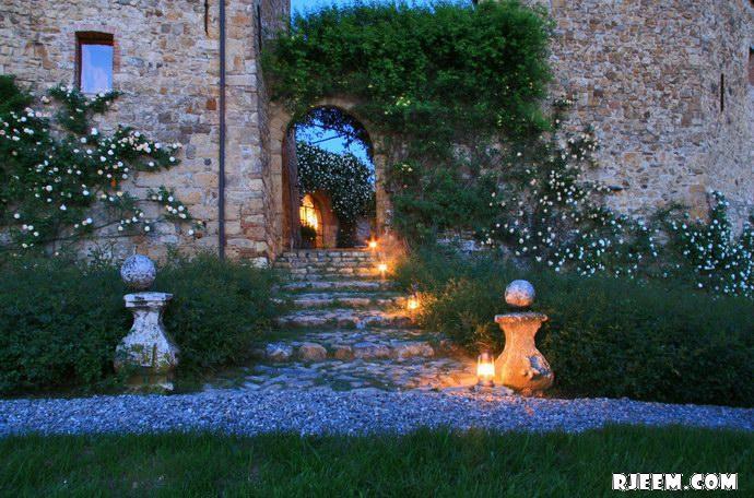 فيكاريلو Castello Vicarello 13396124931.jpg