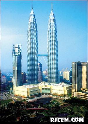 photo Petronas Twin Towers 13398555161.jpg