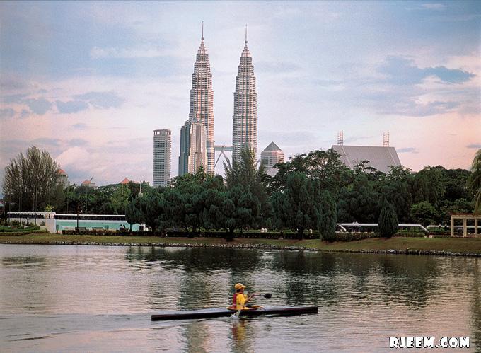 photo Petronas Twin Towers 13398555992.jpg