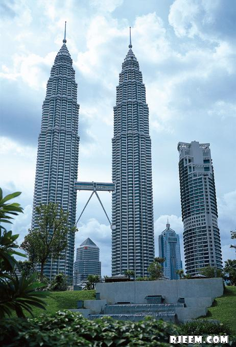 photo Petronas Twin Towers 13398559394.jpg
