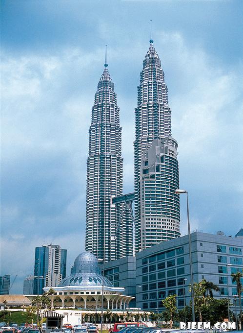 photo Petronas Twin Towers 13398559405.jpg