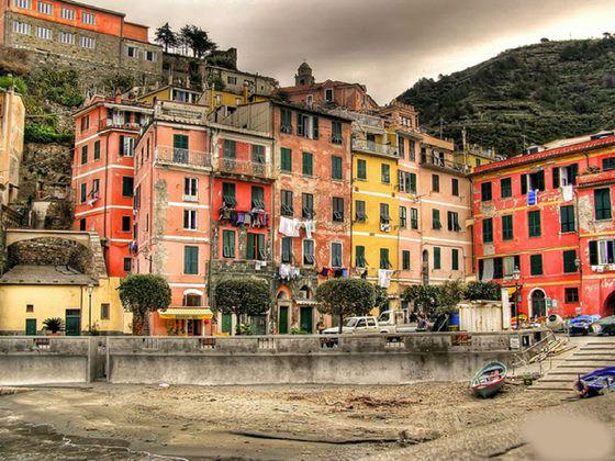 سينكوتيرى الإيطالية 13584467203.jpg