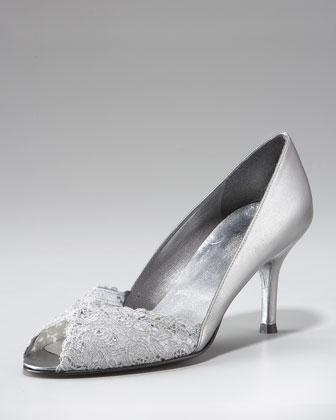 هنا(احذية 13595515454.jpg