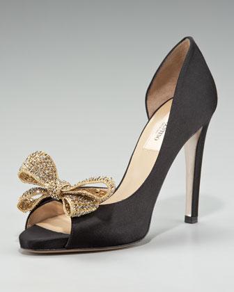 هنا(احذية 13595522425.jpg