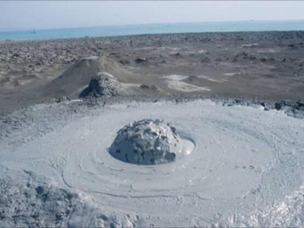 الطين-تعرفى البراكين 13646795242.jpeg