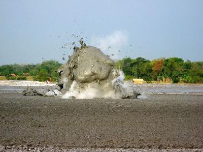 الطين-تعرفى البراكين 13646796442.jpg