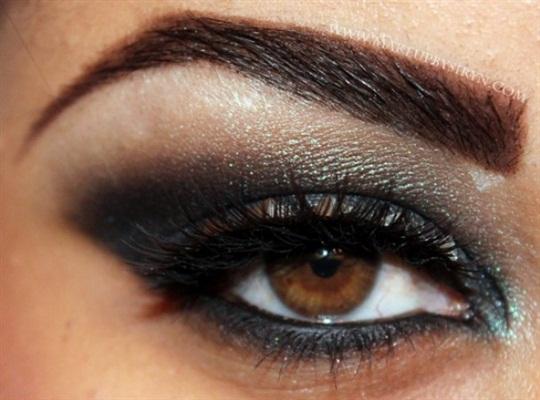 ظلال عيون يجنن ,ميك اب عيون جميل ,ظلال جفون جميل مميز 13656291562.jpg