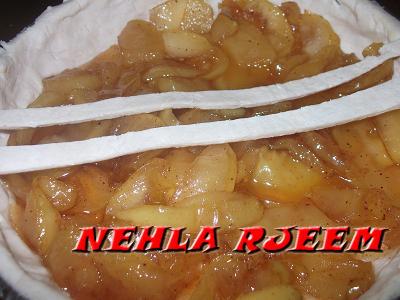 فطيرة التفاح اللذيذة - وصفة سهلة لفطيرة التفاح - فطيرة التفاح بالقرفة 13694257483.jpg