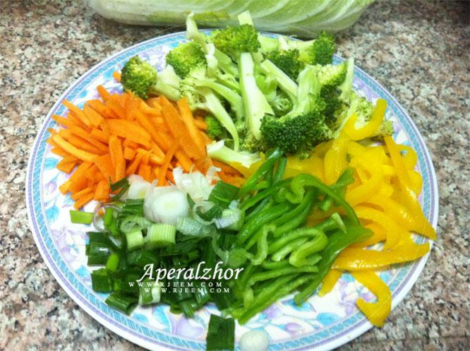 بروكلى  سوتيه مع الخضروات المشكلة من مطبخى 13853225621.jpg