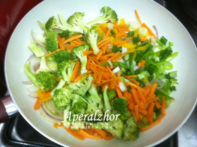 بروكلى  سوتيه مع الخضروات المشكلة من مطبخى 13853225623.jpg