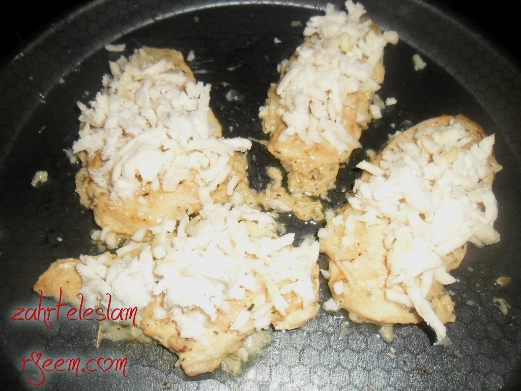 دجاج بالجبن الموتزريلا 14129580164.jpg