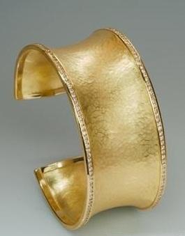 المشغولات الذهبية 14264729772.jpg